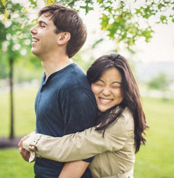 10 Signs That Says Your Best Friend Is In Love With You